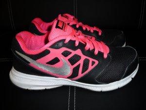 Nike Downshifter 6 Laufschuhe Größe 38 1/2, super Zustand. NP 74,95 Euro