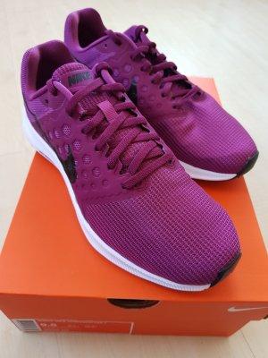 Nike Downshifter 7 lila - ganz neu - Größe 41/9.5