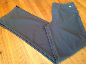Nike Dri Fit Damen Sporthose in Anthrazit in Gr. M