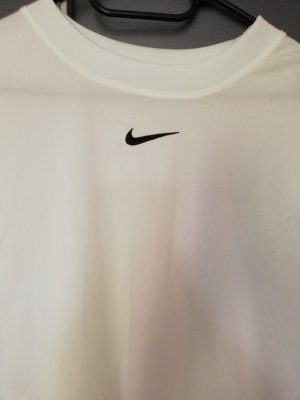 Nike Muscle Shirt white