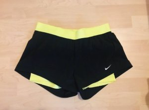 Nike Dri-Fit, schwarze Shorts, M