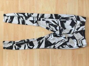 Nike Dri-Fit schwarzweiß
