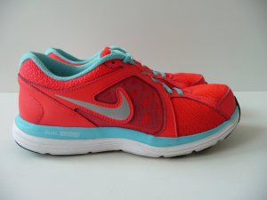 Nike Dual Fusion 3 Laufschuhe Größe 36 1/2, fast wie NEU! Ladenpreis 89,95 Euro!