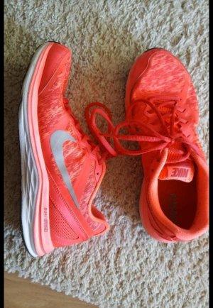 Nike Dual Fusion Sportschuhe