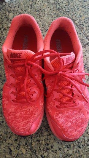 Nike Dual Fusion Turnschuhe Sportschuhe