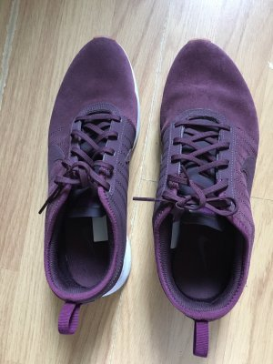 Nike Lace-Up Sneaker brown violet-white