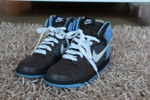 Nike Dunk High - hellblau/braun in Größe 40