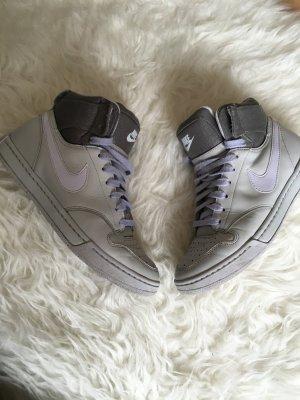Nike Dunk Hightop Sneaker grey