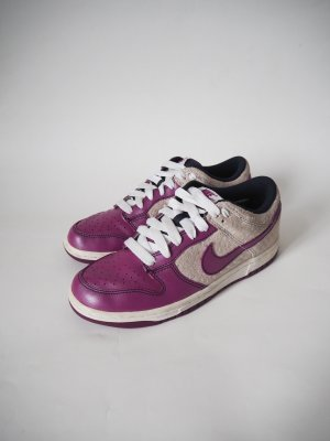 Nike Dunk Low Red Plum Turnschuhe Sneaker  Wildleder Dots Gr. 38