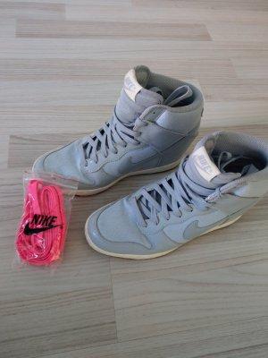 Nike Dunk Sky High