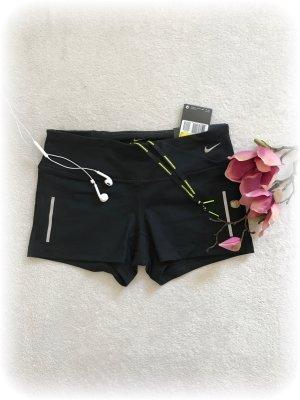 Nike Epic Run tight Shorts, Hotpants aus der Running Kollektion, neu mit etiket
