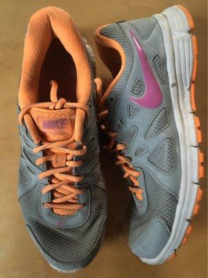 Nike Fitness Sportschuhe