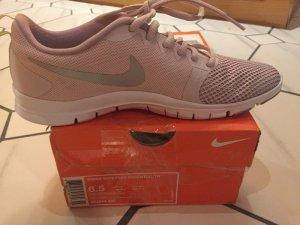 Nike Flex Essential TR - Neu