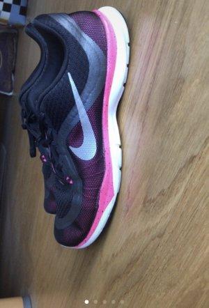 Nike Flex Trainer 6 BTS