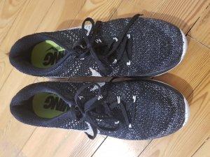 Nike Flyknit Lumar 3