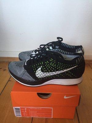 Nike Flyknit Racer Größe 36,5
