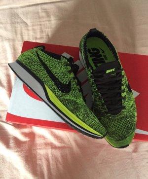 Nike Flyknit Racer Volt/Schwarz