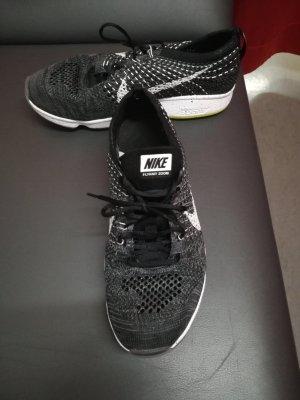 Nike Flyknit Zoom Sport/Rennschuh