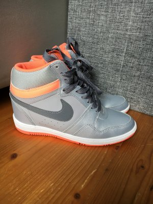 Nike Force in silber/orange