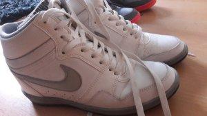 Nike Force Sky High Weiß