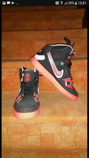 Nike Force Woman Gr. 40,5
