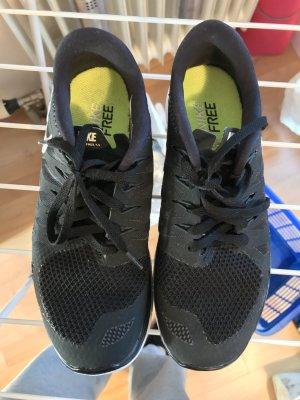 Nike Free, 38, schwarz-weiß
