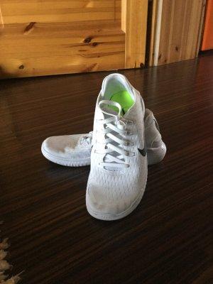 Nike Slip-on Sneakers white-black