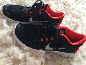 Nike Free 5.0 38 Schwarz Korall