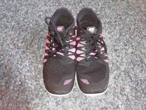 Nike Free 5.0 schwarz/weiß/pink 38,5