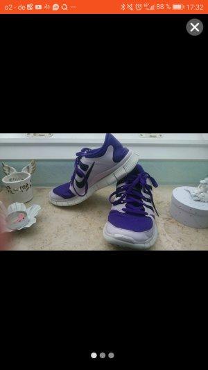 Nike Free 5.0 Sneaker