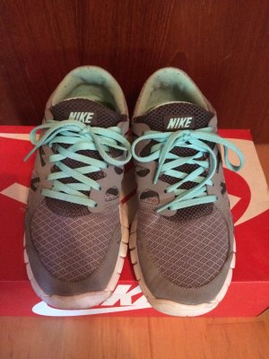 Nike Free grau Türkis 38,5