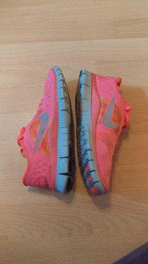 Nike Free Neon Pink