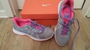 Nike Free, NEU UNGETRAGEN