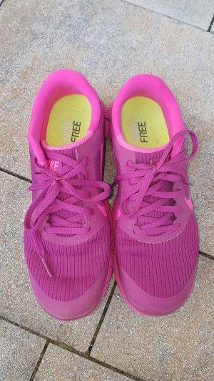 Nike Free pink Sportschuhe Sneakers Turnschuhe