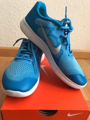 Nike free Rn run 38.5