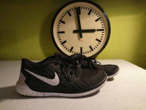 Nike Basket à lacet noir-blanc matériel synthétique