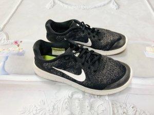 Nike Free RUN Gr. 37,5 schwarz anthrazit grau weiß