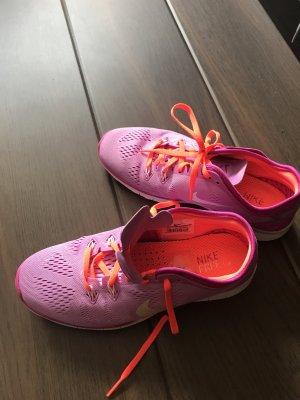 Nike Free run in Größe 38.5 wie neu