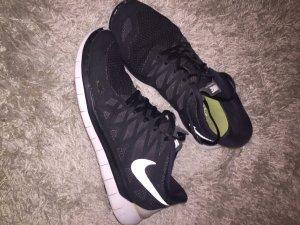 Nike Free Run Sneaker