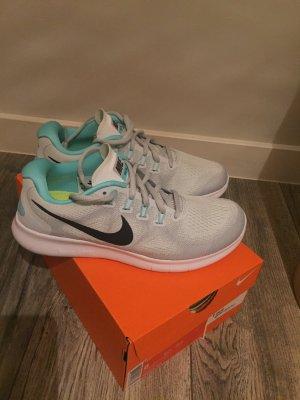 Nike Free Run Woman/Damen weiß, Türkis Größe 39