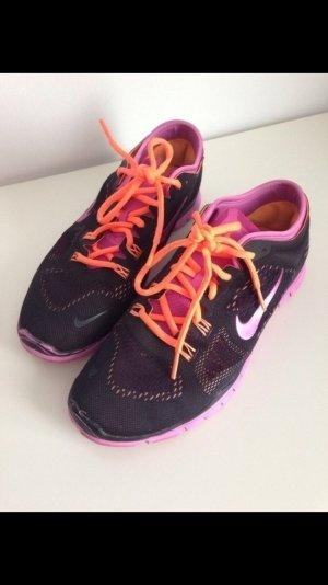Nike Free schwarz pink