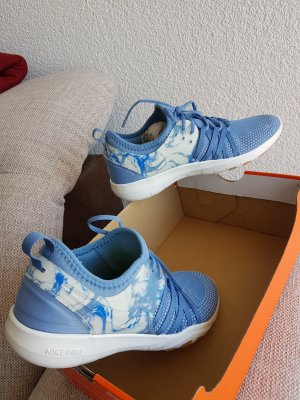 Nike Sneaker stringata azzurro-blu fiordaliso
