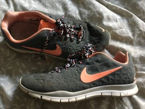 Nike Free Sneaker Sportschuhe / Laufschuhe