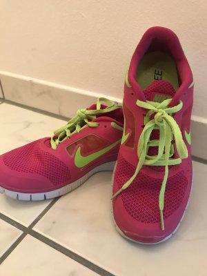 Nike Free Sportschuhe
