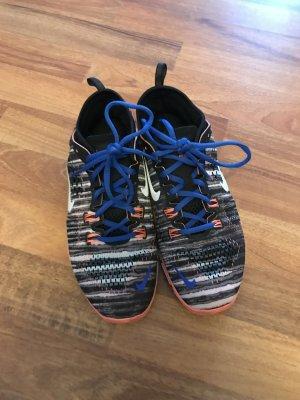 Nike Free TR 38