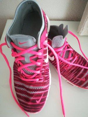 Nike free TR FIT 4, Größe 40.5, pink