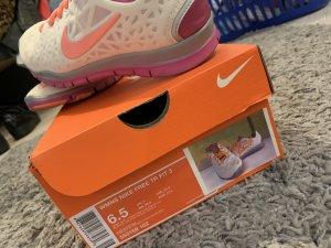Nike Free TR fit