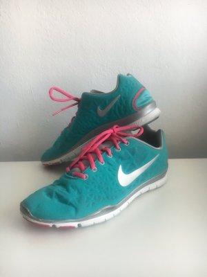 Nike Free TR fit Sneaker in Türkis