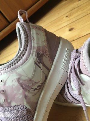 Nike Free Trainer 7 Größe 39 lila/rosa