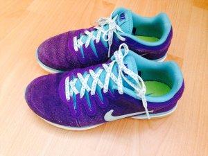 Nike Fusion (nur im Fitnessstudio getragen)